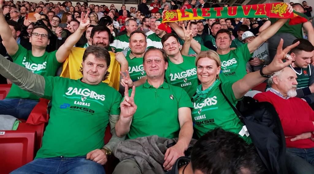 "Workmates supporting favourite ""Žalgiris"" basketball team. First row, in the middle: AKSA CEO Mindaugas Plūkas"