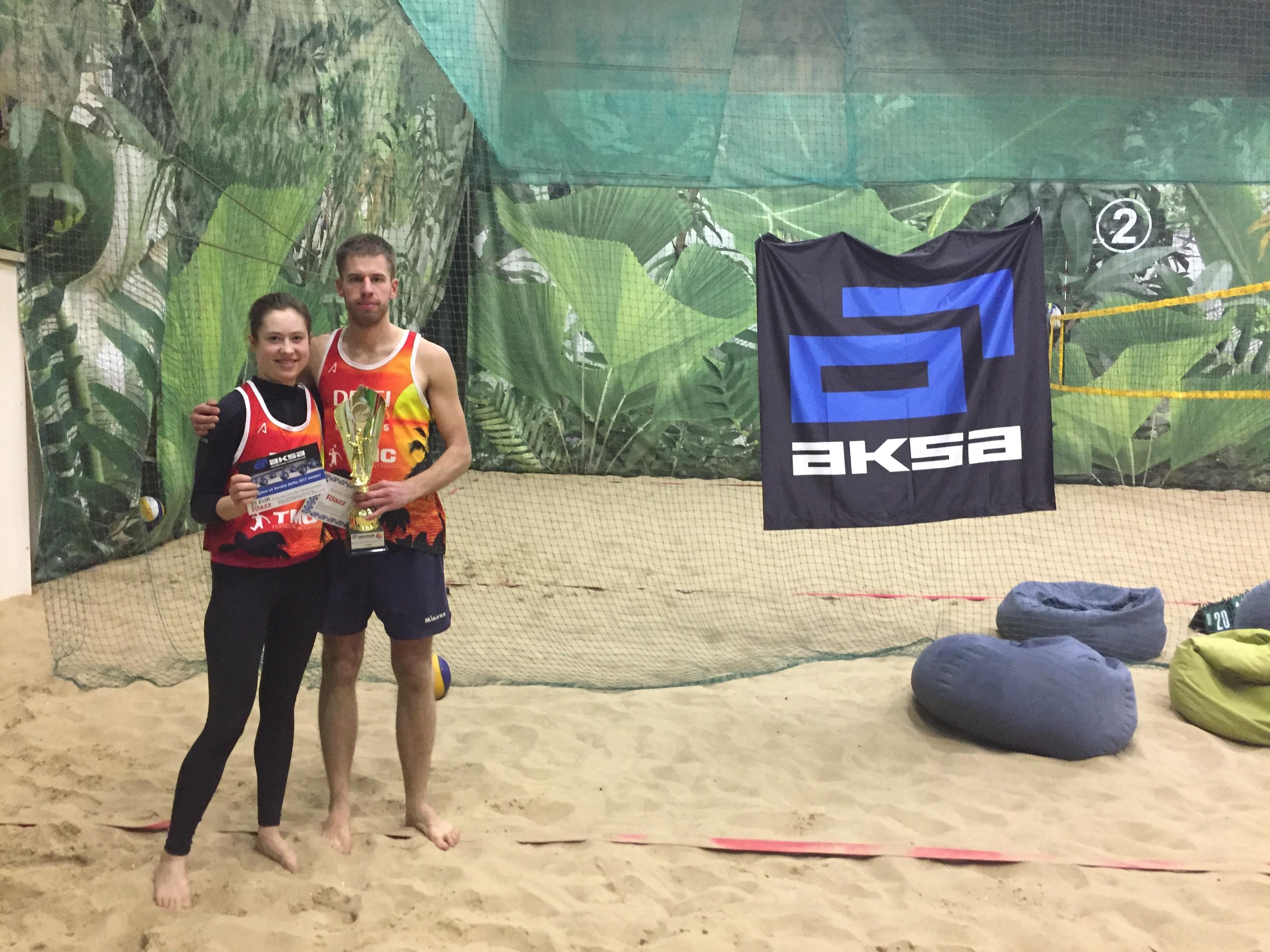 """Baigėsi AB """"AKSA"""" organizuotas paplūdimio tinklinio turnyras"""